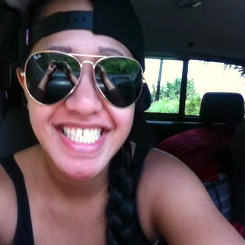 Whitney DeMello's avatar