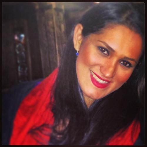 Yalda Blacky's avatar