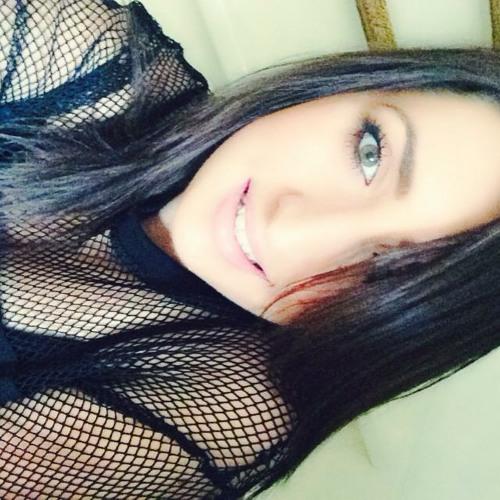 Leena Veseli's avatar