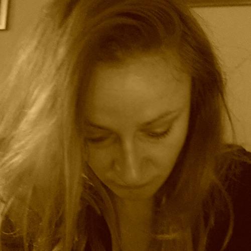 Maja Maric's avatar