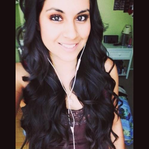 Monica Aguilera's avatar