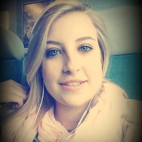 p'tite charlotte24's avatar