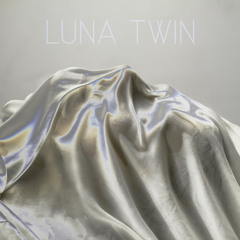 Luna Twin
