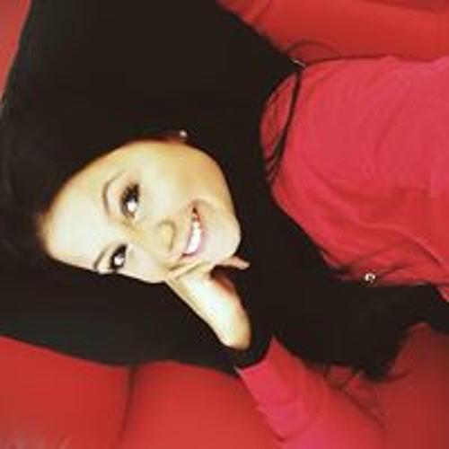 Rayanna Menezes's avatar