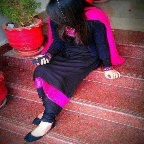 Rabi Nasir's avatar