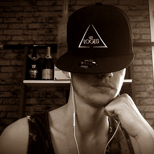 Lucas Brgto's avatar