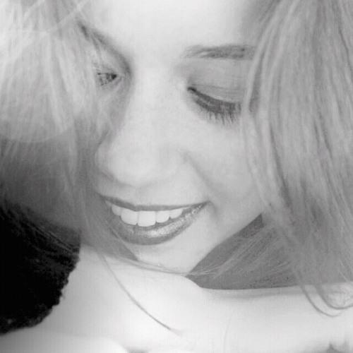 Maëlle Joséphine's avatar