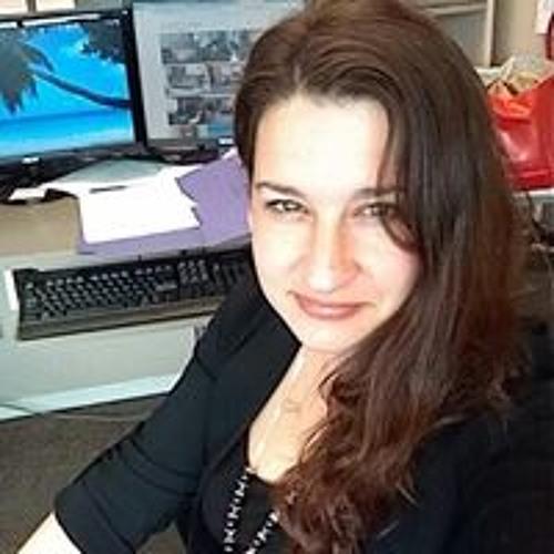 Leah Pohlmann-Jones's avatar