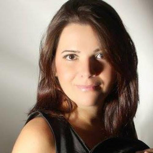 Erica Oliveira 42's avatar