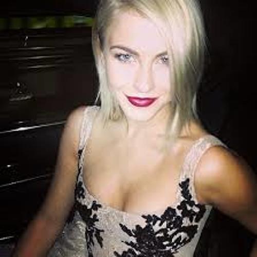 Angelina kauff's avatar