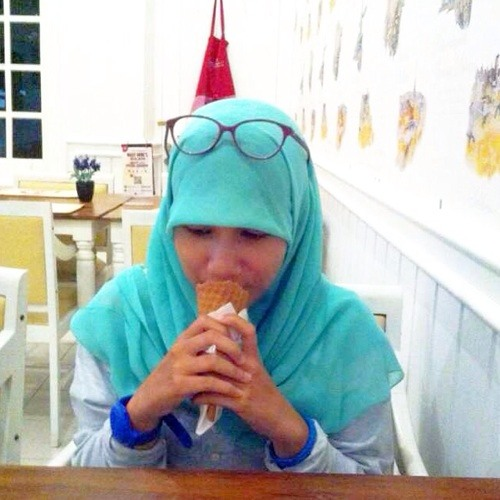 affmomi's avatar