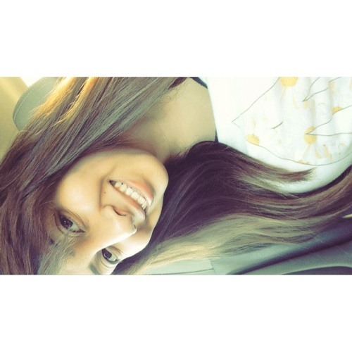 Lawraa_'s avatar