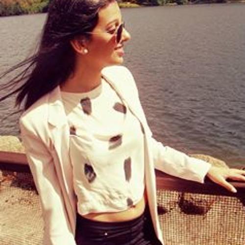 Mariana Pais's avatar