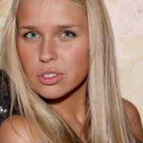 Anna Khomutova's avatar