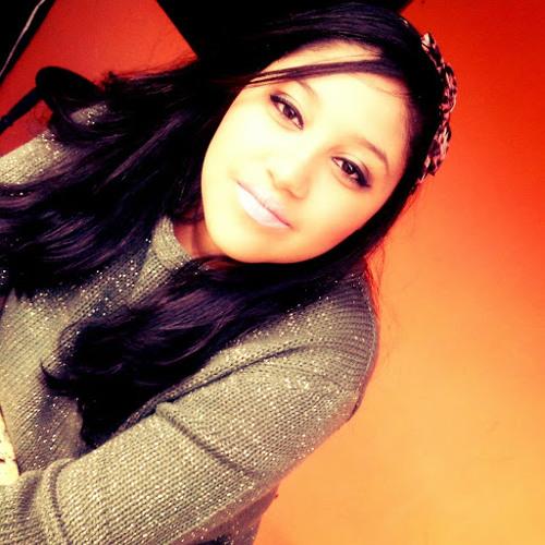 Alessandra Bueno 2's avatar