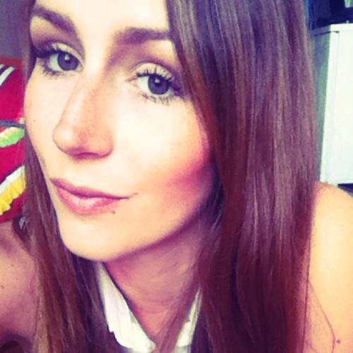 julia conti's avatar