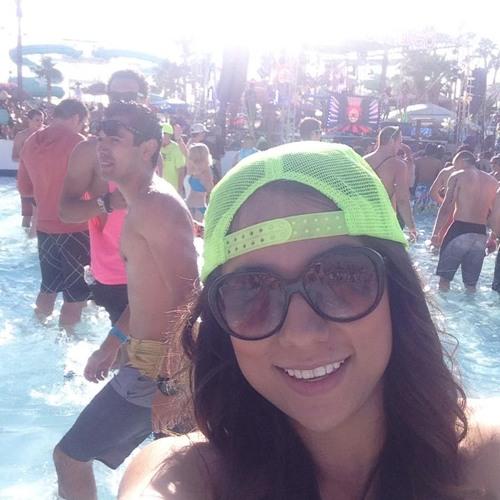 Ana Acosta 4's avatar