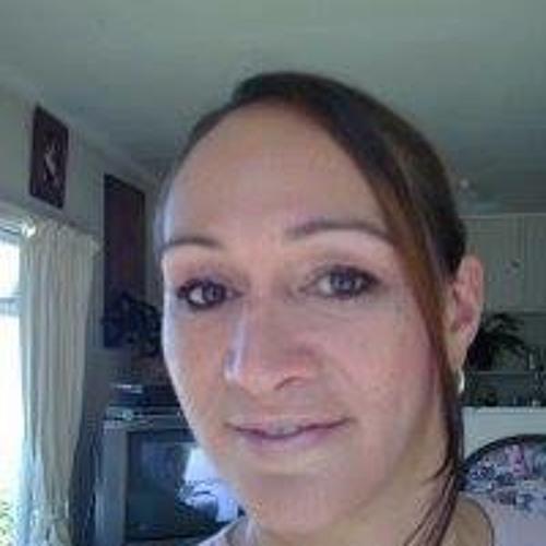 Lasena Douglas's avatar
