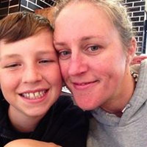 Lisa West-Linnett's avatar