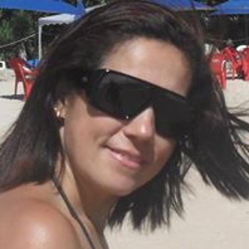 Vivian Brazilino's avatar