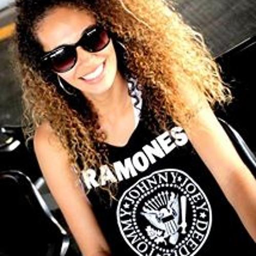 Tamara Santos 13's avatar