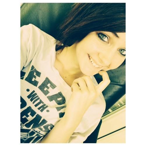 Heather Lynn's avatar
