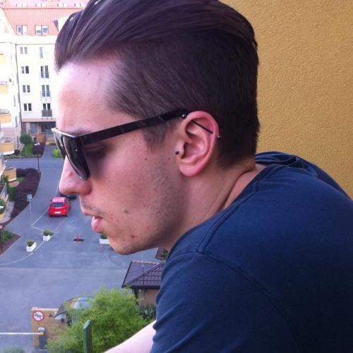 Lukasz Tarczyluk's avatar