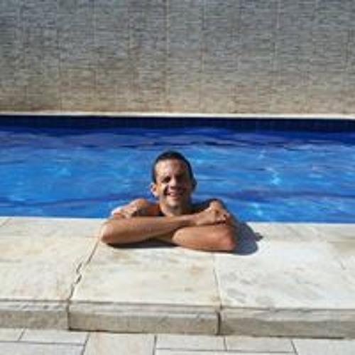Renato Carlos 4's avatar