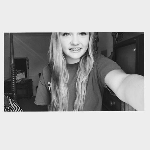 LoraleeG01's avatar