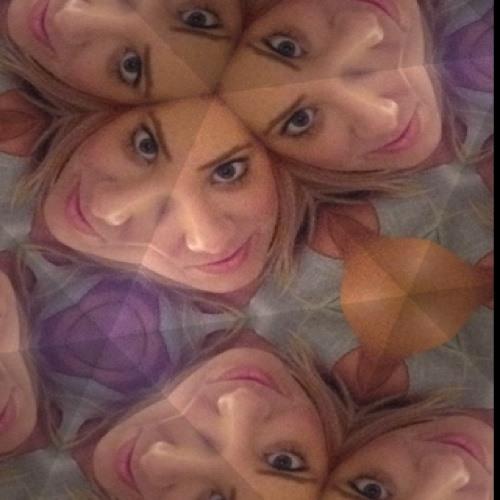 Ellie maree dungen's avatar