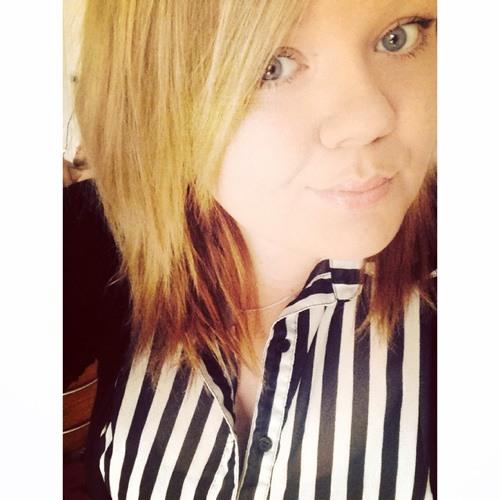 Danielle Louise Bennett's avatar