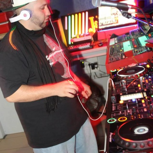 DJ DouDou's avatar