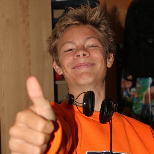 Moritz mo 4's avatar