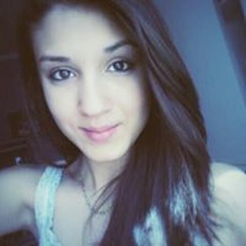 Giullia Gutierrez's avatar