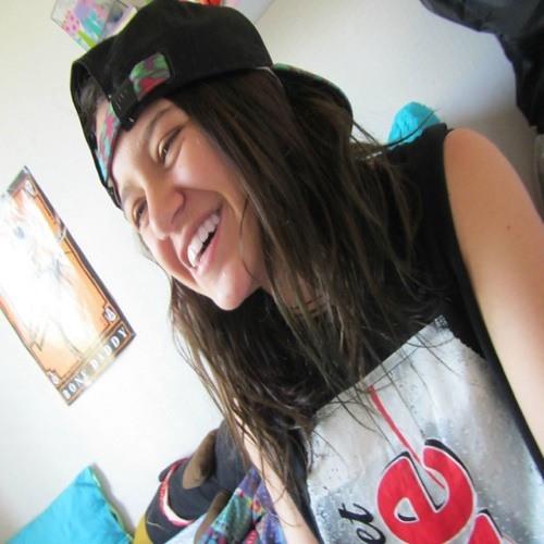 Paula Castillo 18's avatar