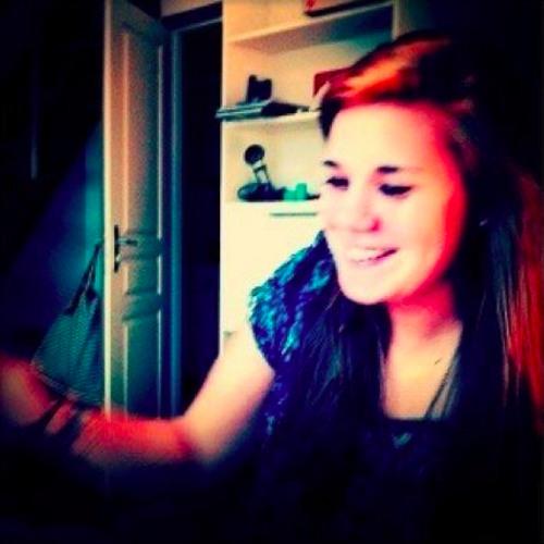 Emeline Blt's avatar