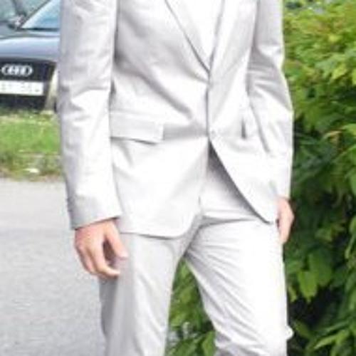 Niklas Stenberg 3's avatar