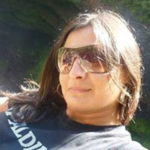Ivonne Carolina's avatar