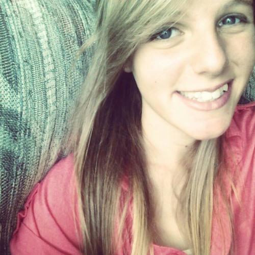 Miranda Monteleone's avatar