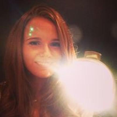 Leah Masters's avatar