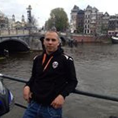 Roberto Barrera 7's avatar