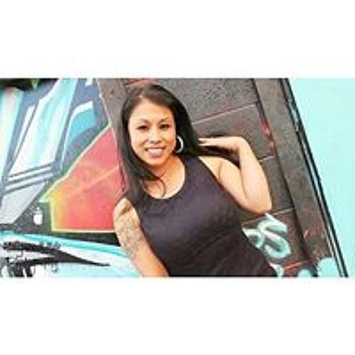 Danielle Woodard :)'s avatar
