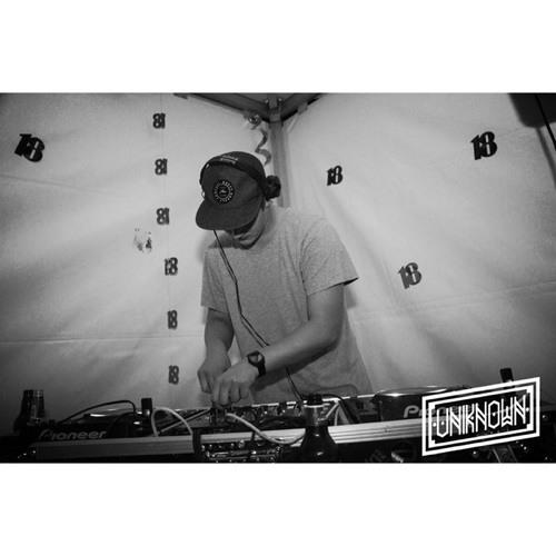 DJ VANOS's avatar