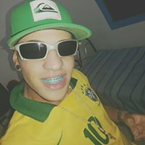 Luckinhas Alves's avatar