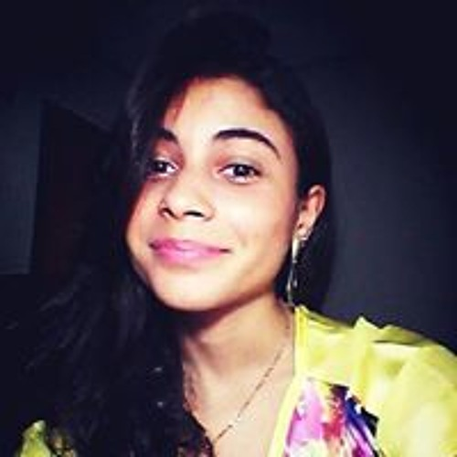 Júlia Caroba's avatar