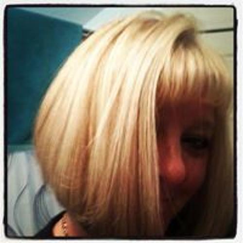 Darlene Prado's avatar