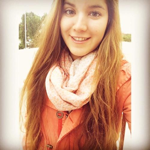 Mariely Paz 's avatar