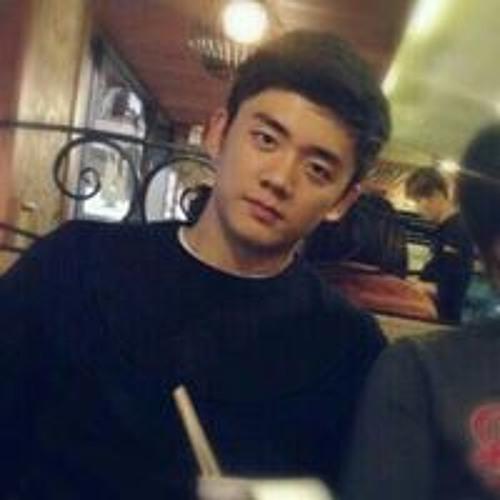 Woo Jin  Kim's avatar