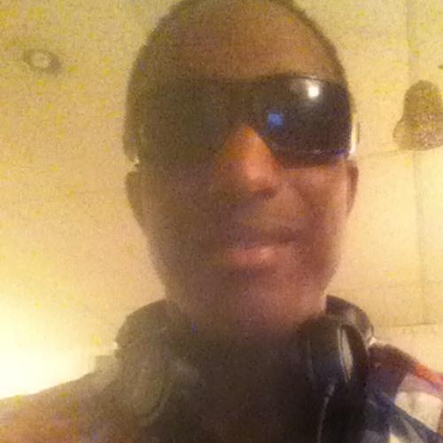 Eric Lenyoun II's avatar
