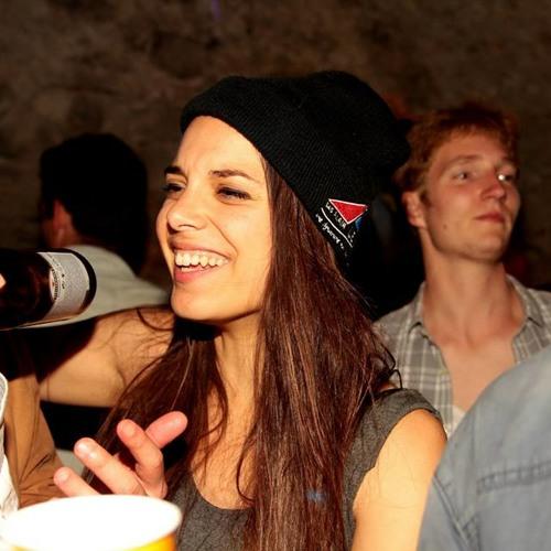 Amélie Esteves's avatar